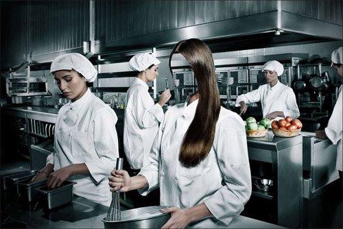 Брюнетка повар профессиональной кухни - шаблон для фотомонтажа