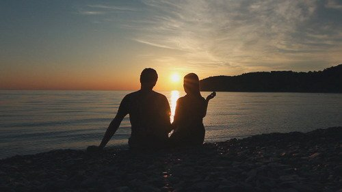 Romantic couple at sunset - Footage (Shutterstock)