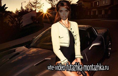 Шаблон женский - Девушка на закате с пистолетом сидя на авто